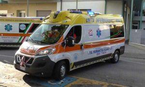 Salerno, malore per un 14enne mentre nuota in piscina: muore in ospedale