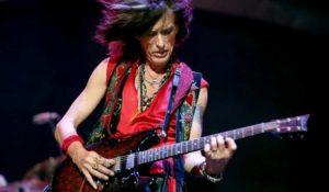 New York, Joe Perry sviene durante il concerto: ricoverato il chitarrista degli Aerosmith