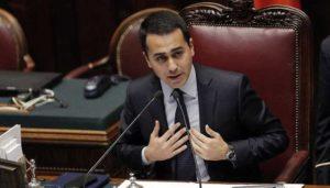 """M5s, Luigi Di Maio: """"Lobby malati di cancro"""". Si scusa ma scatta la polemica"""