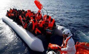 Migranti, nuovi sbarchi in Sicilia: 4 morti, oltre 400 soccorsi da Emergency