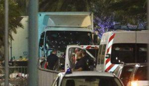Strage Nizza, è una donna l'eroina che è salita sul camion per fermare il terrorista