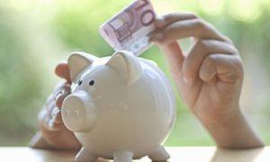 Italiani popolo di risparmiatori, ma spesso solo per costrizione