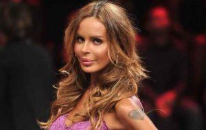 Nina Moric promette ancora scintille col nuovo fidanzato