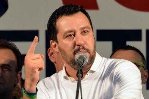 """Matteo Salvini a Gentiloni: """"Poteri straordinari per gestire le emergenze? Oh, che genio!"""""""