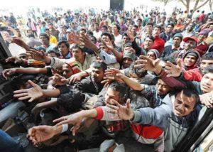 """Migranti, Di Stefano (M5S): """"Rimpatriare tutti gli irregolari con meccanismo che funzioni"""""""
