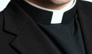 """Testimonianza shock: """"Sono figlio di un prete pedofilo che stuprò mia madre a 14 anni"""""""