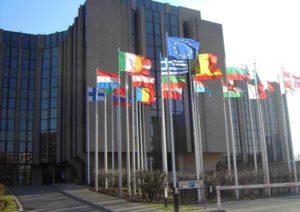 """Corte Ue: """"Se andate all'estero con i contanti dichiarate le somme superiori ai 10 mila euro"""""""