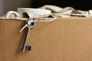 Traslocare da soli o con l'aiuto di professionisti? Ecco i pro e i contro per scegliere