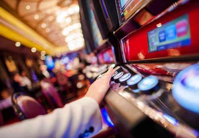 Slot dei bar e casinò, come le dipendenze rovinano la vita